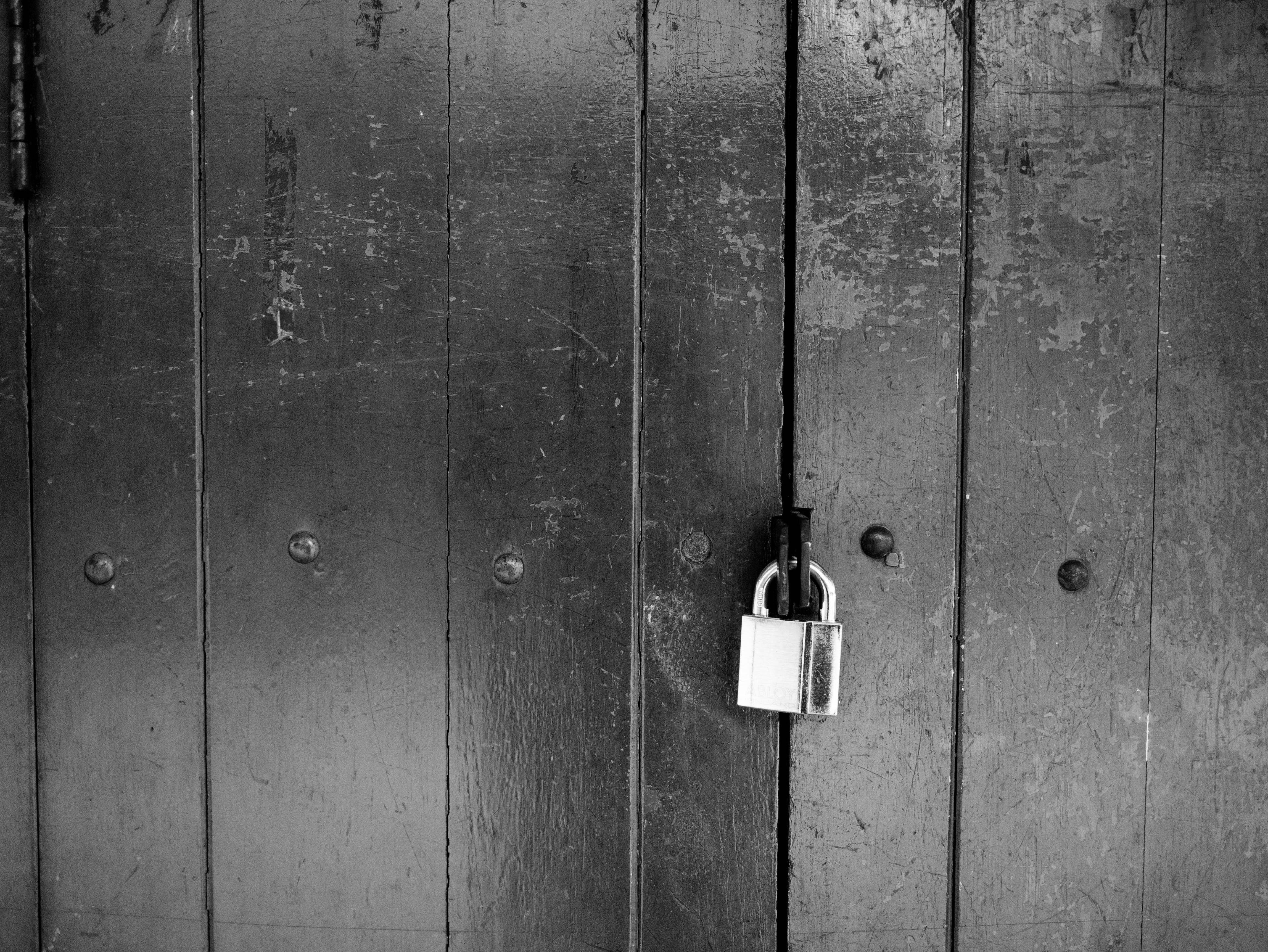 locked_10.jpg