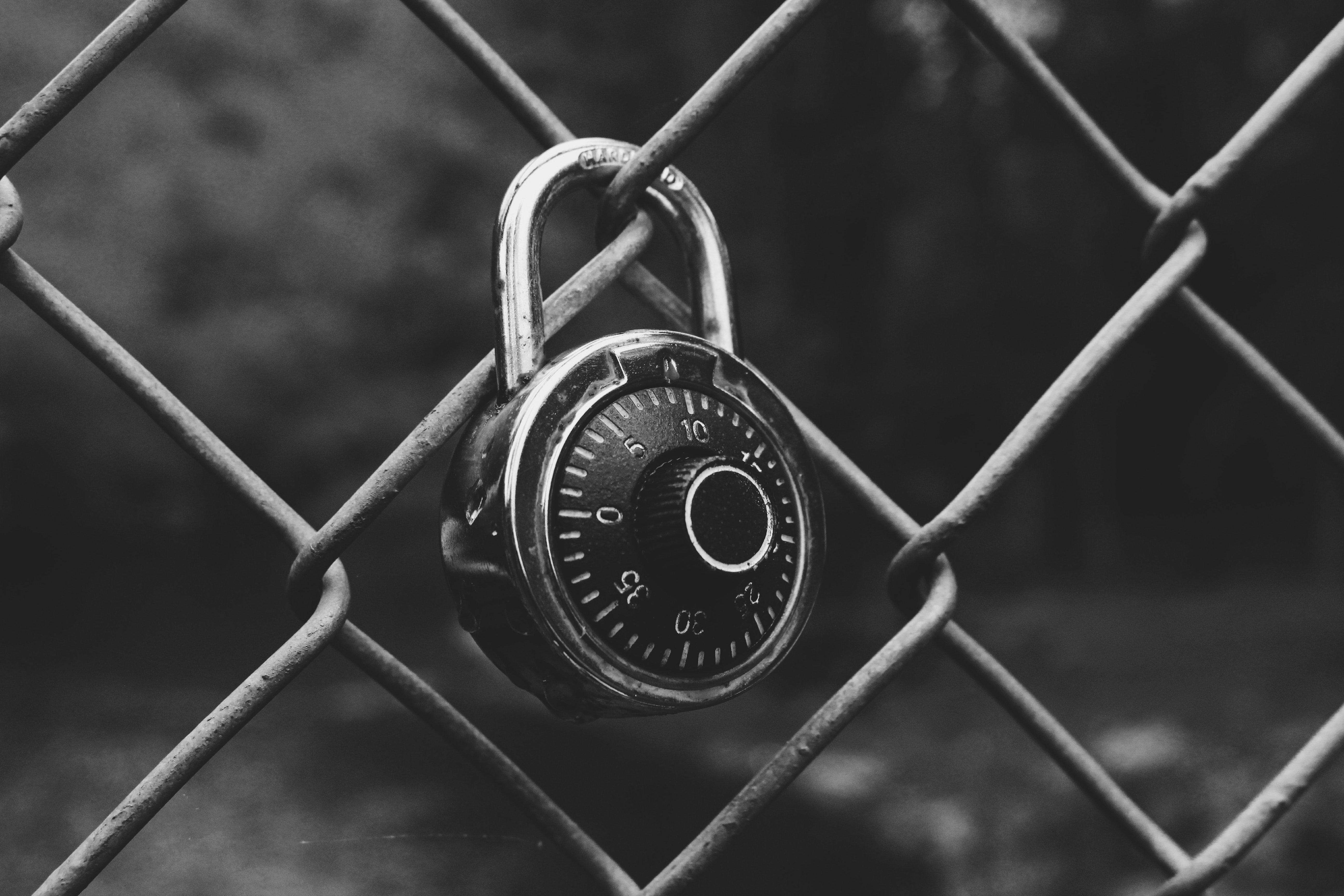 locked_8.jpg